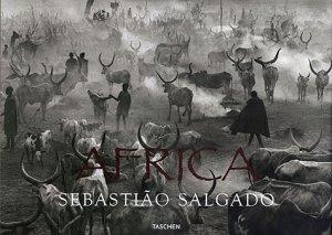 Portada del libro de Sebastiao Salgado, África.